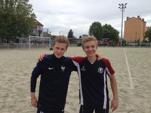 HCG – Deux garçons plein d'avenir