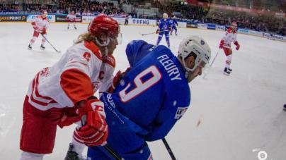 Guillaume Leclerc et Damien Fleury avec l'équipe de France de hockey-sur-glace aux mondiaux