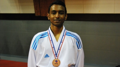 Anjanan Balendrakumar remporte le bronze au championnat de France de karaté