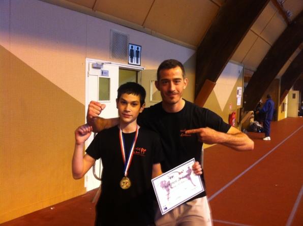Deux Gucistes champions de France de kick-boxing