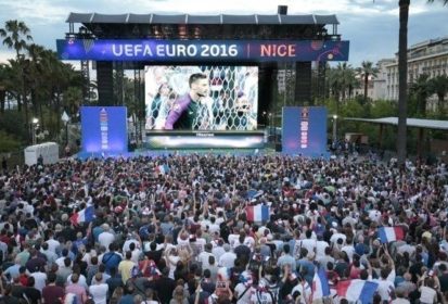 Grenoble : Un écran géant à l'anneau de vitesse pour France – Croatie
