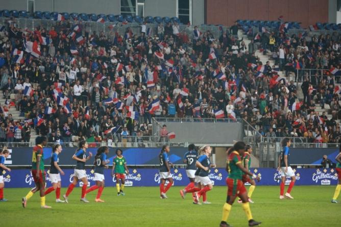 Les Bleues ont séduit le Stade des Alpes