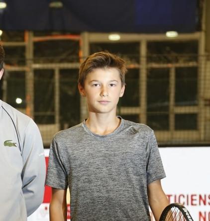 Gabriel Debru (Grenoble Tennis) et l'équipe de France se qualifient pour la finale du championnat d'Europe