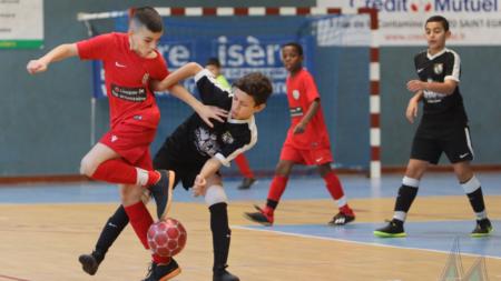 Tournoi de Noël de Deux Rochers FC : les temps forts des phases finales U12