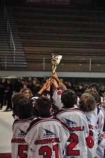 Hockey-sur-glace Résultats complets du week-end. Les U13 remportent le tournoi des clubs formateurs