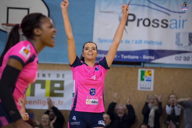 A la rencontre de… Julie Oliveira Souza, internationale de volley-ball
