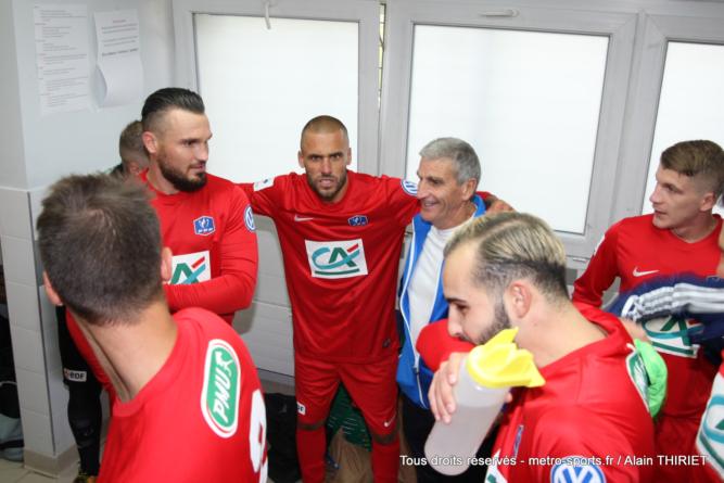 Qui sont les clubs encore invaincus dans le District de l'Isère ?