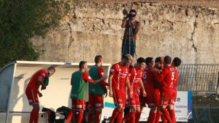 Le lob de plus de 50m de Corentin Giriat (Football Côte Saint-André)