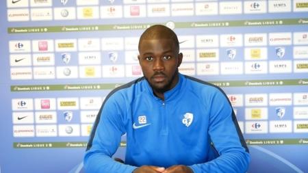 Arsène Elogo avant AJ Auxerre – GF38